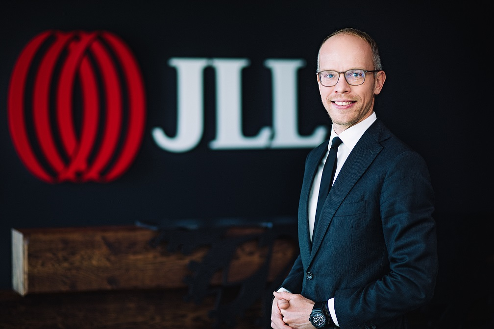 tomasz_milka_jll_retail_journal